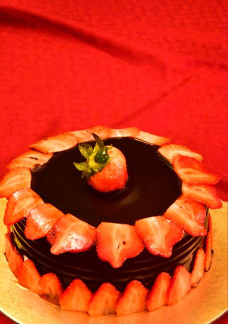 Choco Strawberry Gateaux