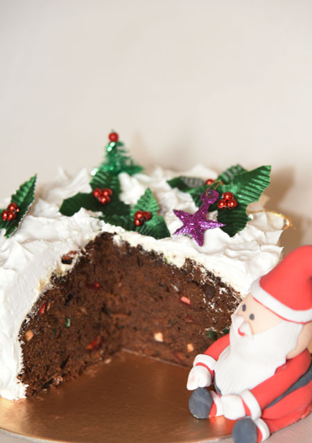 Christmas Cake with Frosting